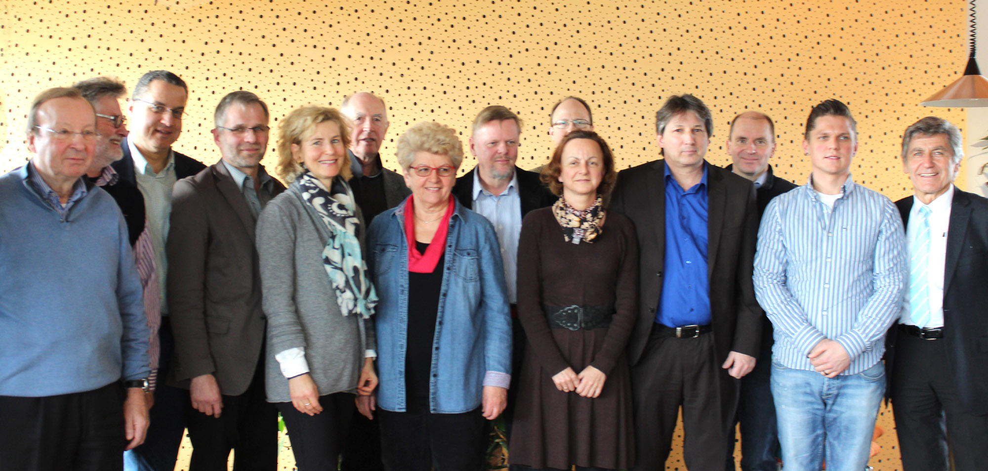 Kandidatinnen und Kandidaten sowie Mitglieder des Organisationsteams von Freiburg Lebenswert