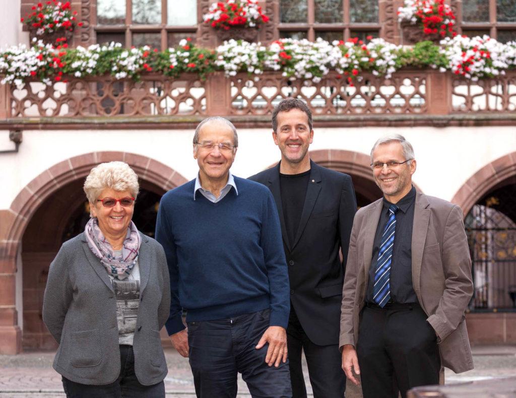 Die Fraktionsgemeinschaft FL/FF 2015 vor dem Freiburger Rathaus