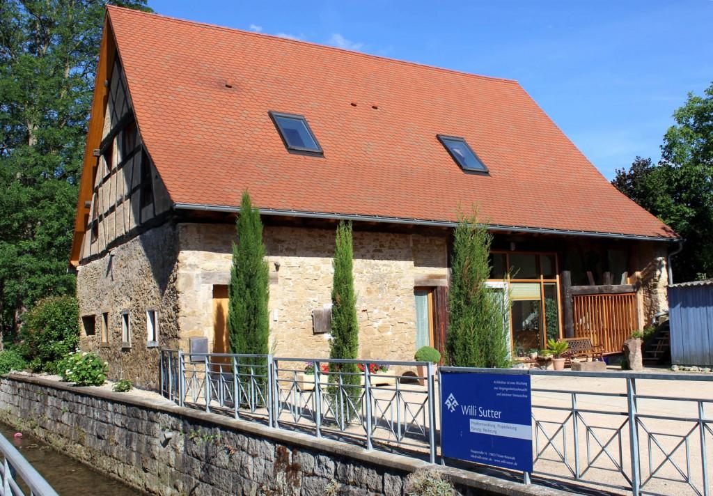 Vorbildliche Restaurierung und gelungener Ausbau einer alten Scheune durch die Fa. Willi Sutter