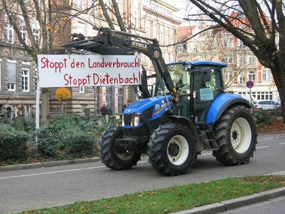 Protest gegen den Landverbrauch auf dem Dietenbach-Gelände (Foto: W. Deppert)