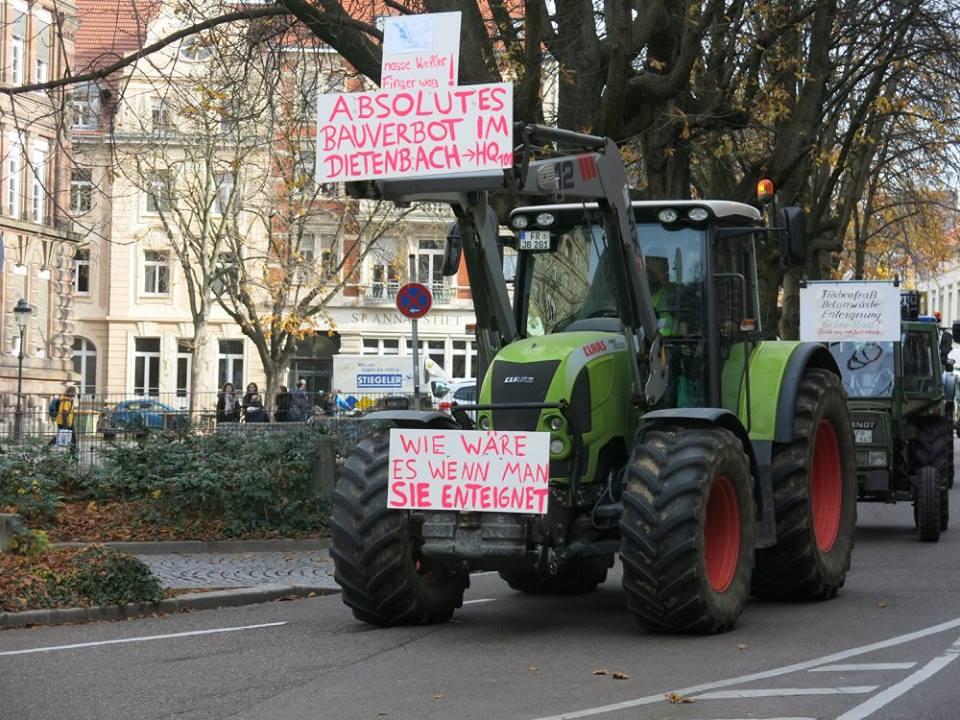 Protest gegen Enteignung und für ein Bauverbot im Dietenbach (Foto: W. Deppert)